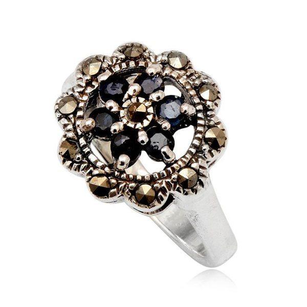 anillo-negro-plata-zafiros-marquesitas