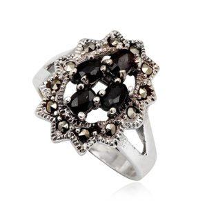 anillo-negro-zafiros-marquesitas-plata